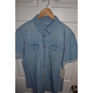 BRAND NEW Calvin Klein denim short sleeve shirt
